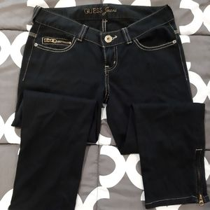 Guess Black with Gold Trim and Accents Capri Pants